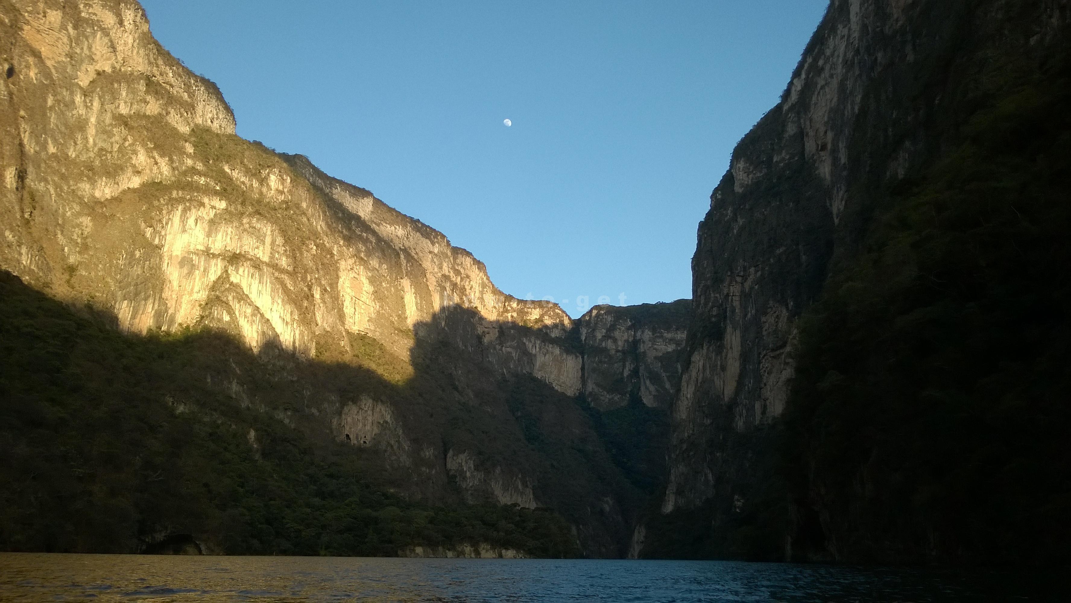 Водная прогулка на лодке по каньону дель Сумидеро