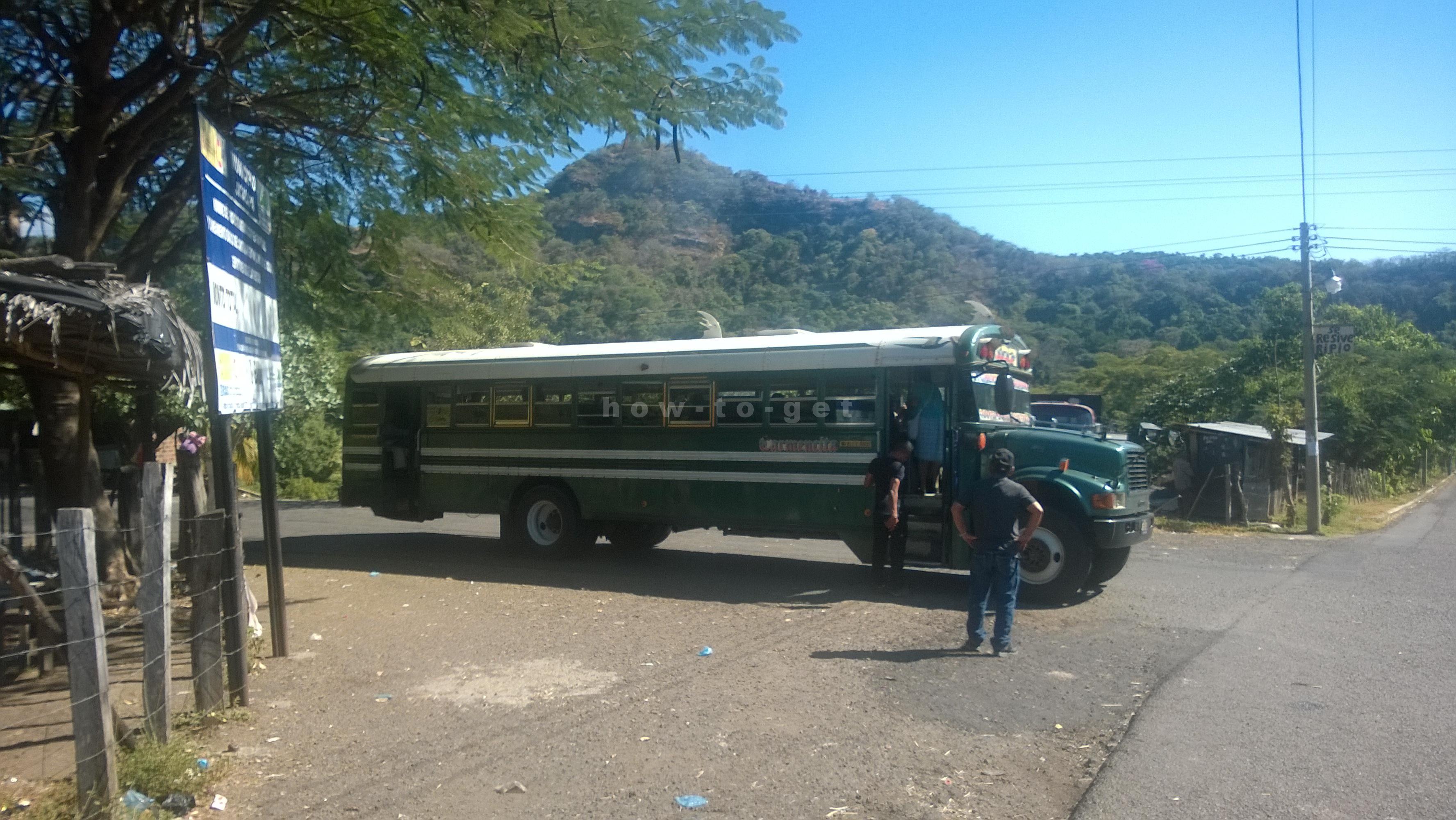 Ля Перла, автобусы в сторону границы Гватемалы