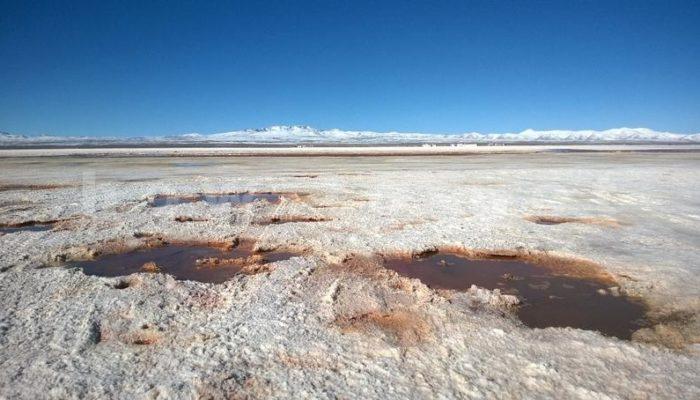 соленое озеро в Уюни